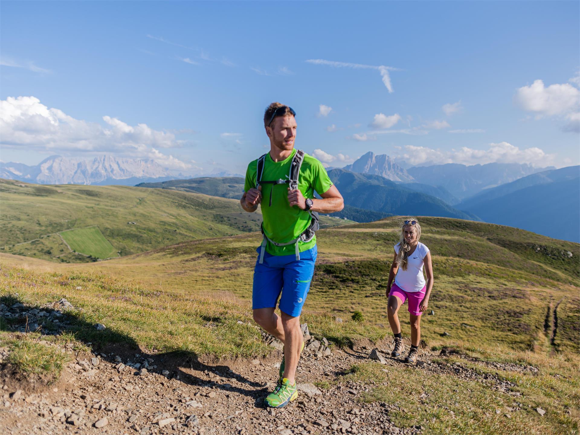 KRON AKTIV High mountain hiking tour in the Alps