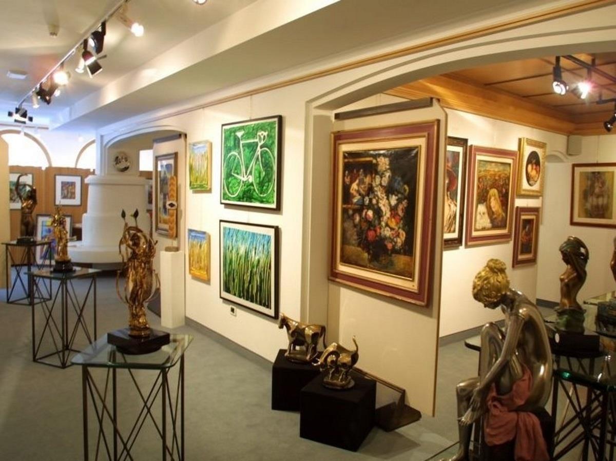 Art Gallery Renée
