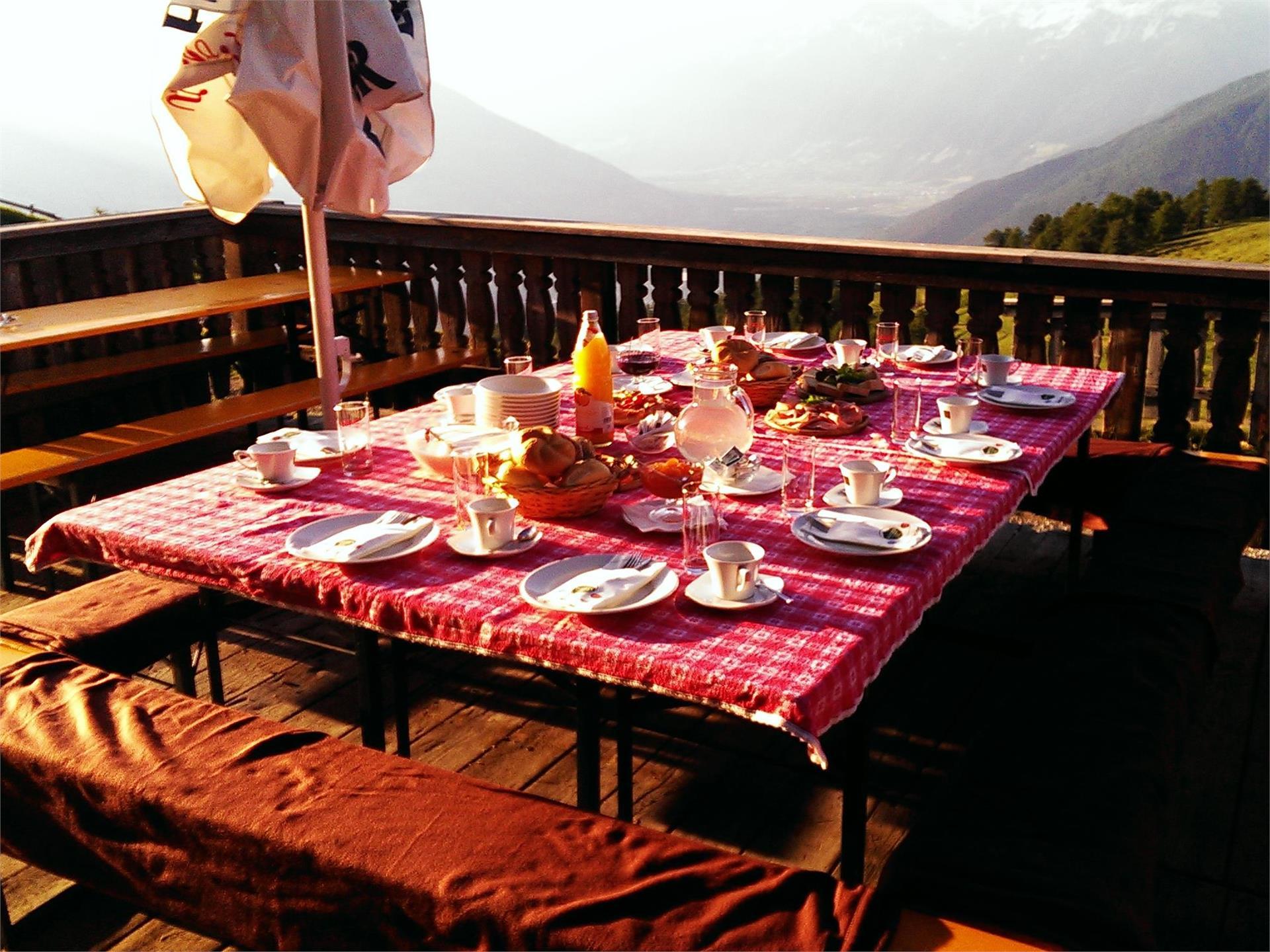 Colazione allo spuntar del sole al rifugio Plantapatsch