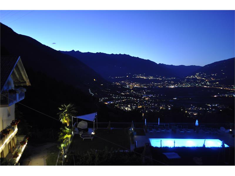 Panoramasicht bei Nacht am Niederhof