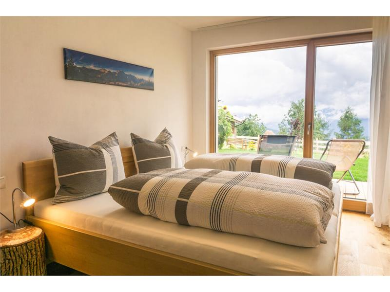 Schlafzimmer in der Ferienwohnung Hasenöhrl - Obermichelerhof in Vöran