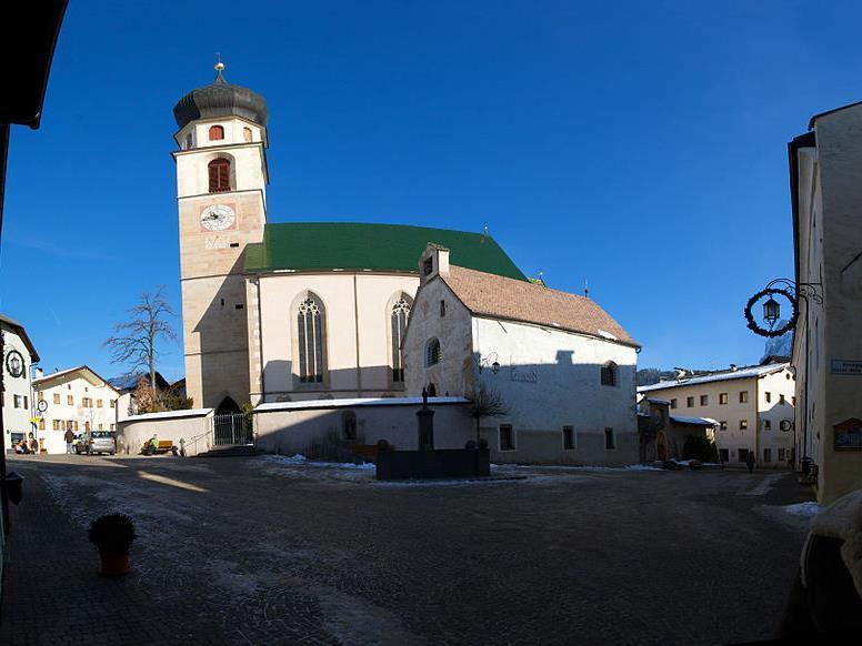 Pfarrkirche: Messegestaltung der Musikkapelle Völs am Schlern