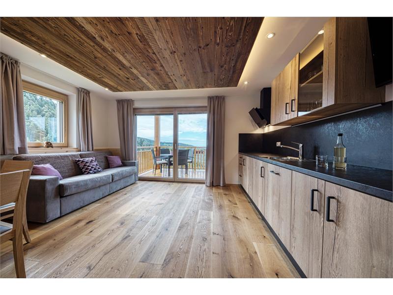 Geräumige Wohnküche für den Urlaub - Ferienwohnung Lavendel