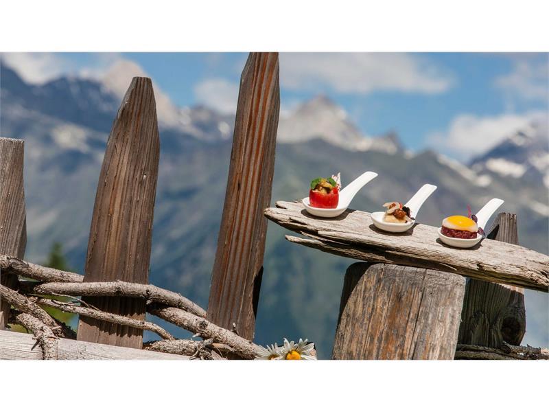 Feinschmeckerküche im Hotel Falzeben, Südtirol