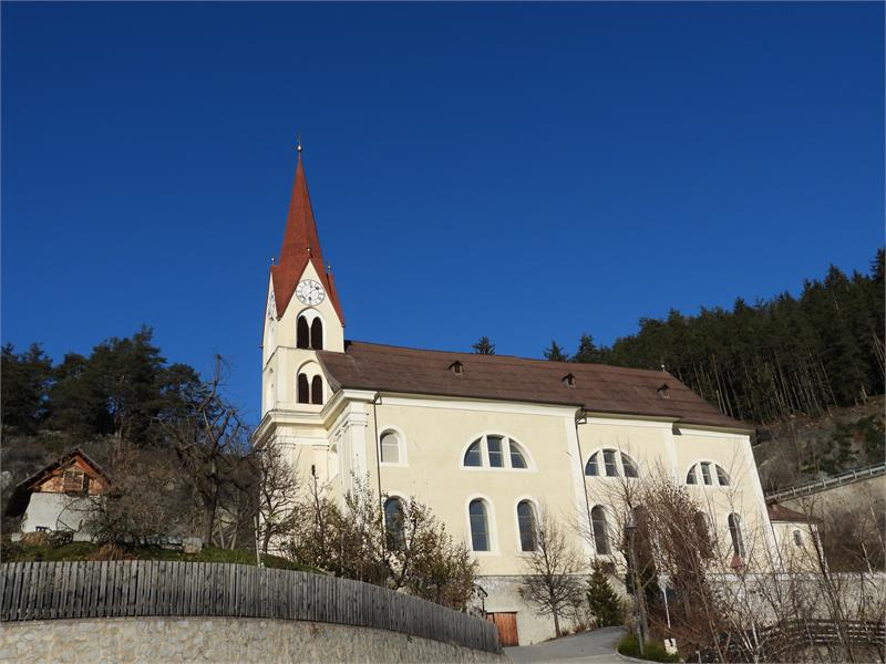 Kirche Kiens 1