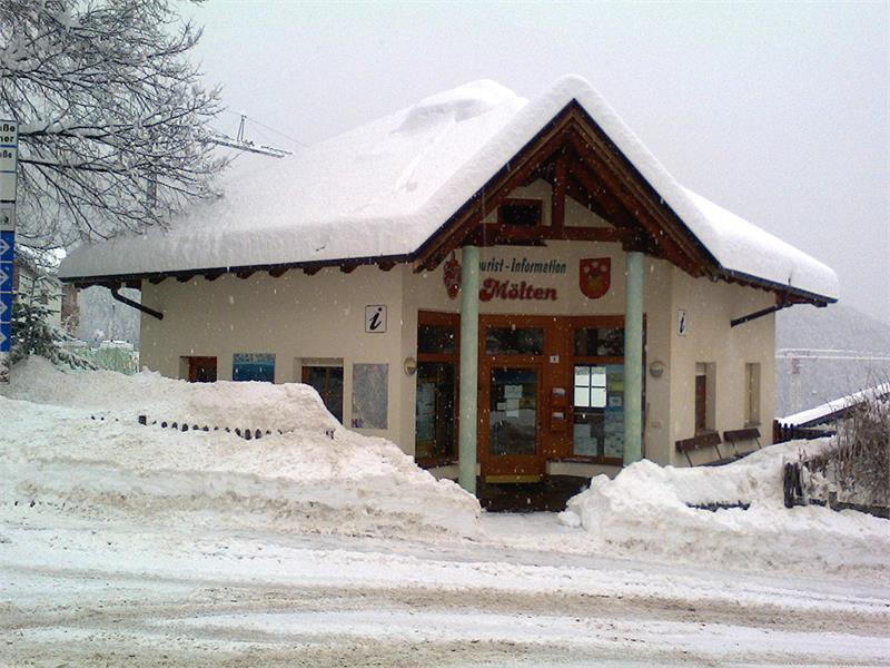 Tourismusbüro im Winter