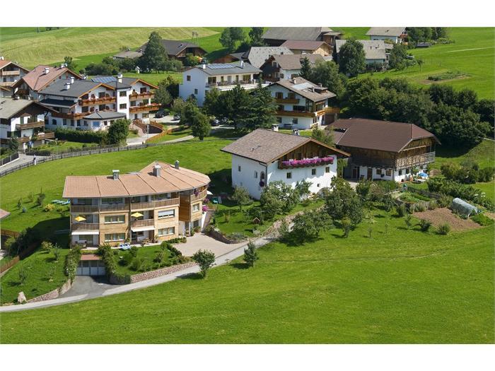 Luftaufnahme Greiensteiner Hof & Apartments Sun in Kastelruth