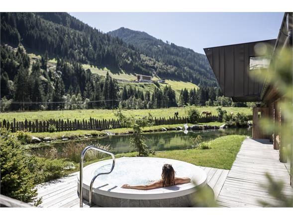 Hotwhirlpool Alphotel Tyrol Wellness, Chalets & Family Resort