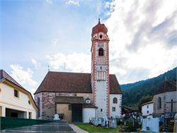 Pfarrkirche Maria Himmelfahrt und St. Michael Kapelle in Tisens