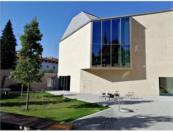 Library Brixen / Bressanone