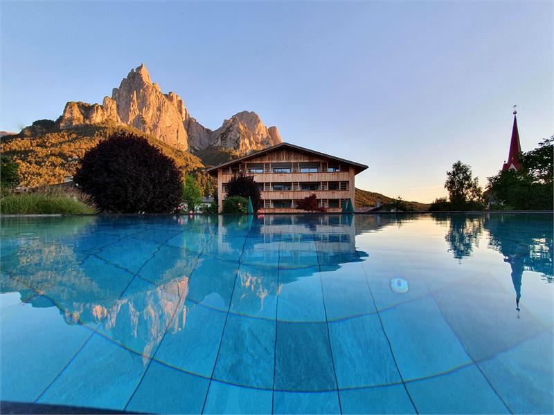 Basecamp Hotel für erlebnisreiche Abendteuer in den Dolomiten