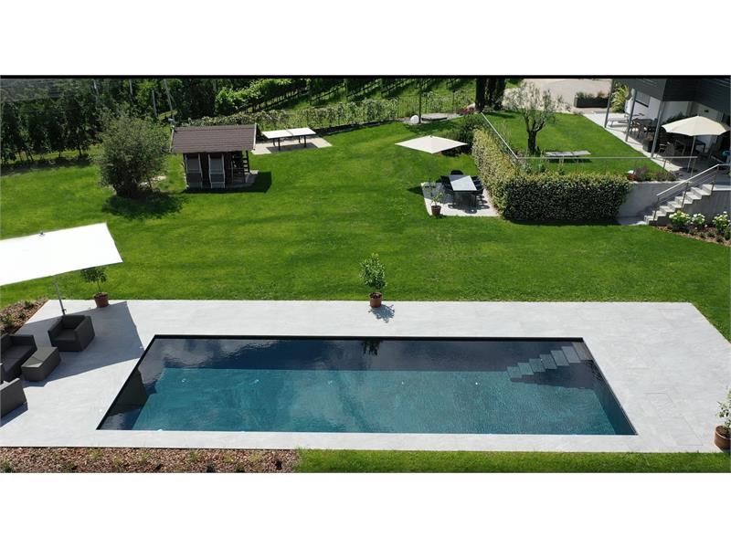 sunbathing lawn 1500 m² with swimming pool