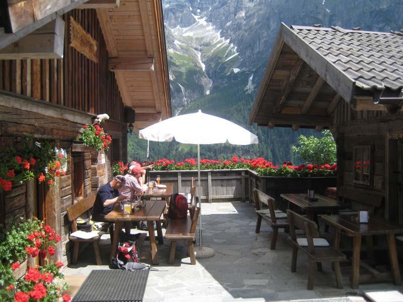 Alla malga Allriss in Val di Fleres