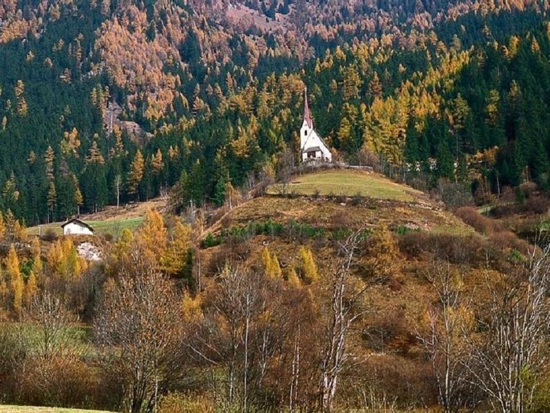 St. Valentinskirchlein, Valgenäun