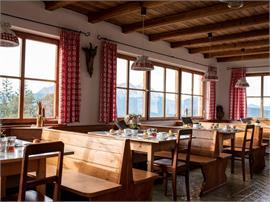 Escursione guidata mattutina al Monte Cavone con colazione montanara