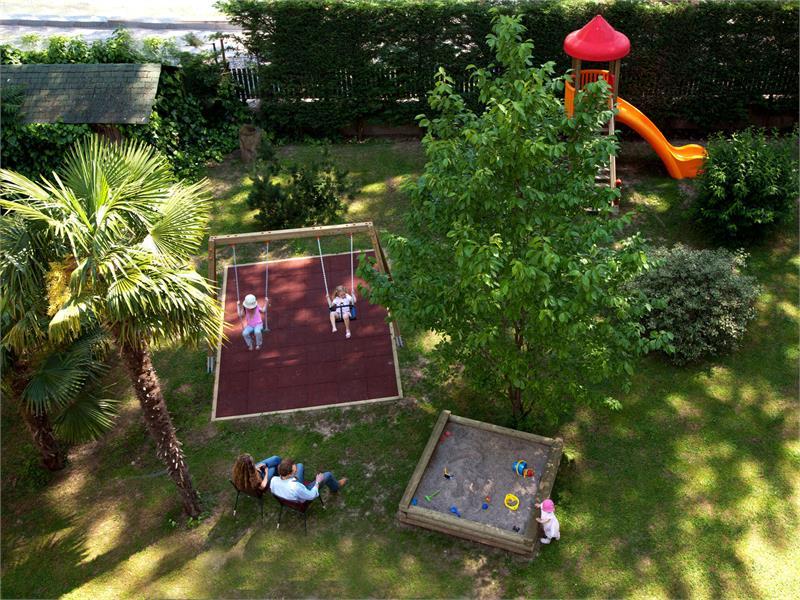 Flora Hotel & Suites - Parco giochi per i bambini