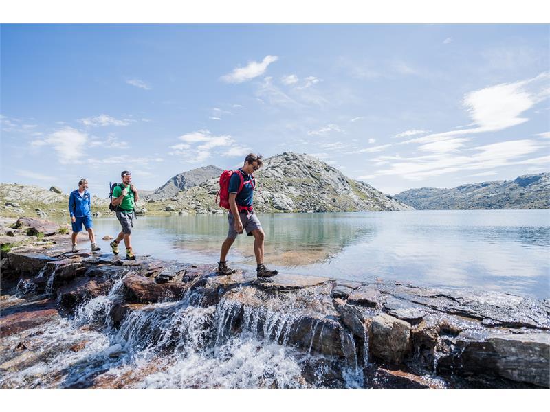 Discesa dalla cima Tschigot verso il lago Grünsee