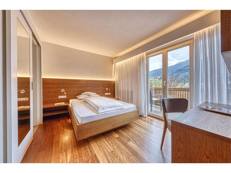 Einzelzimmer mit franz. Bett 1,40 breit