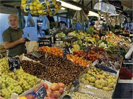 Centro del paese: Mercato settimanale