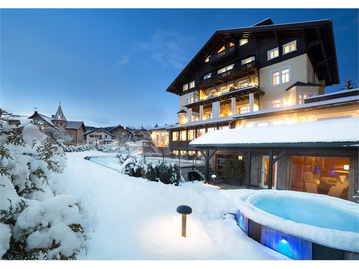 Hotel Villa Kastelruth - Winter in the Dolomites