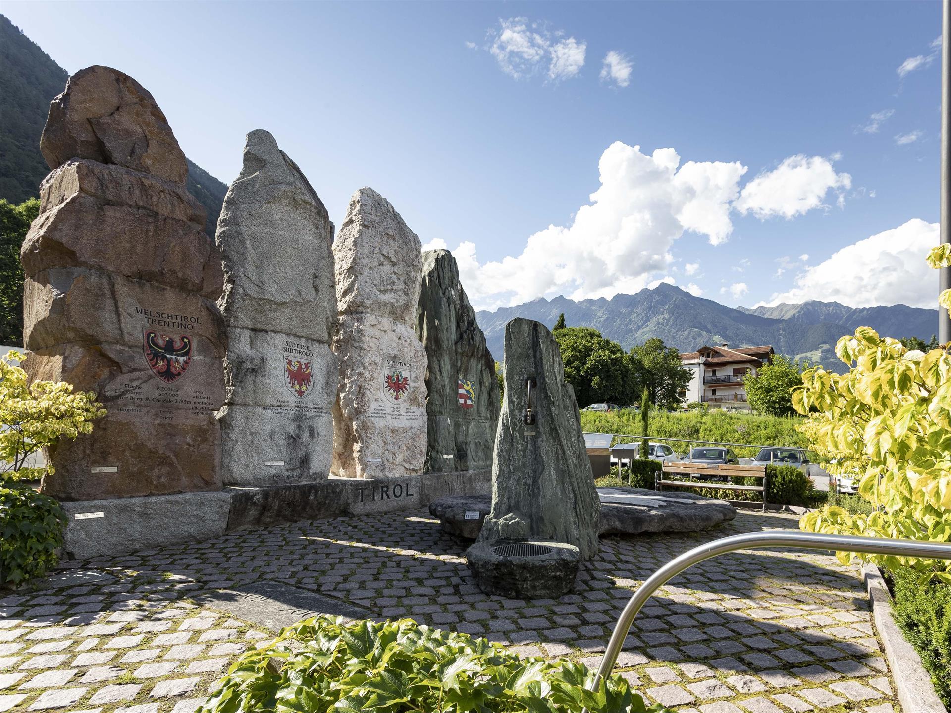 """""""Tiroler Platz"""" a Marlengo"""