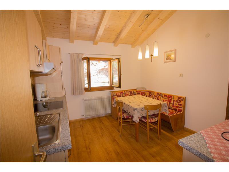 Accogliente cucina nell'appartamento - Maso Eggerhof a Verano