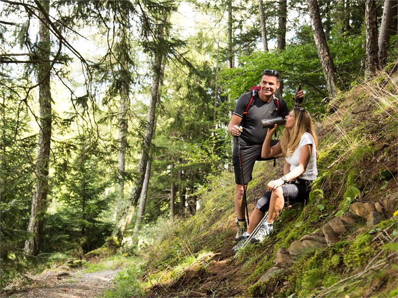 Hiking on the Marling Höhenweg Trail