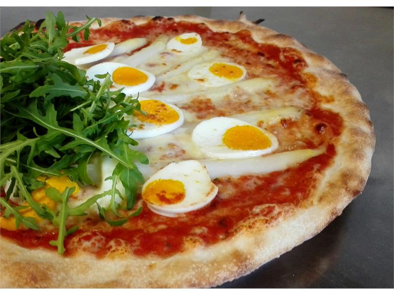 Pizza speciale fatta in casa