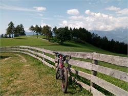 Geführte Mountainbike-Touren mit E-MTB Verleih Service