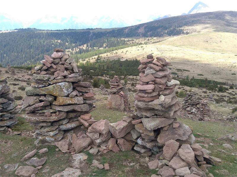 Omini di pietra/Stoanerne Mandlen