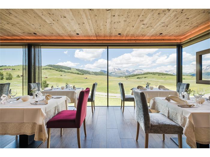 Restaurant with a view - Seiser Alm - Alpe di Siusi