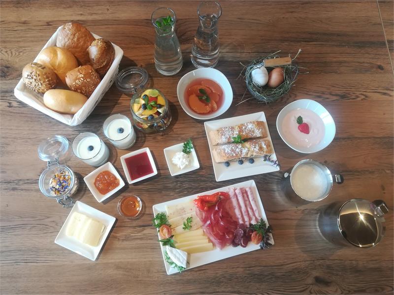Frühstück beim Kuenhof in Vöran