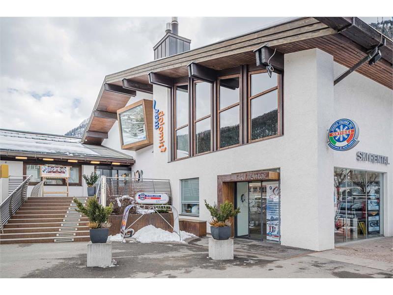 Skischool Rental Mardolomit