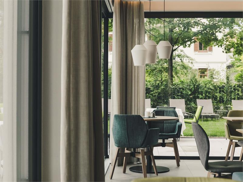Flora Hotel & Suites - Vista nel verde