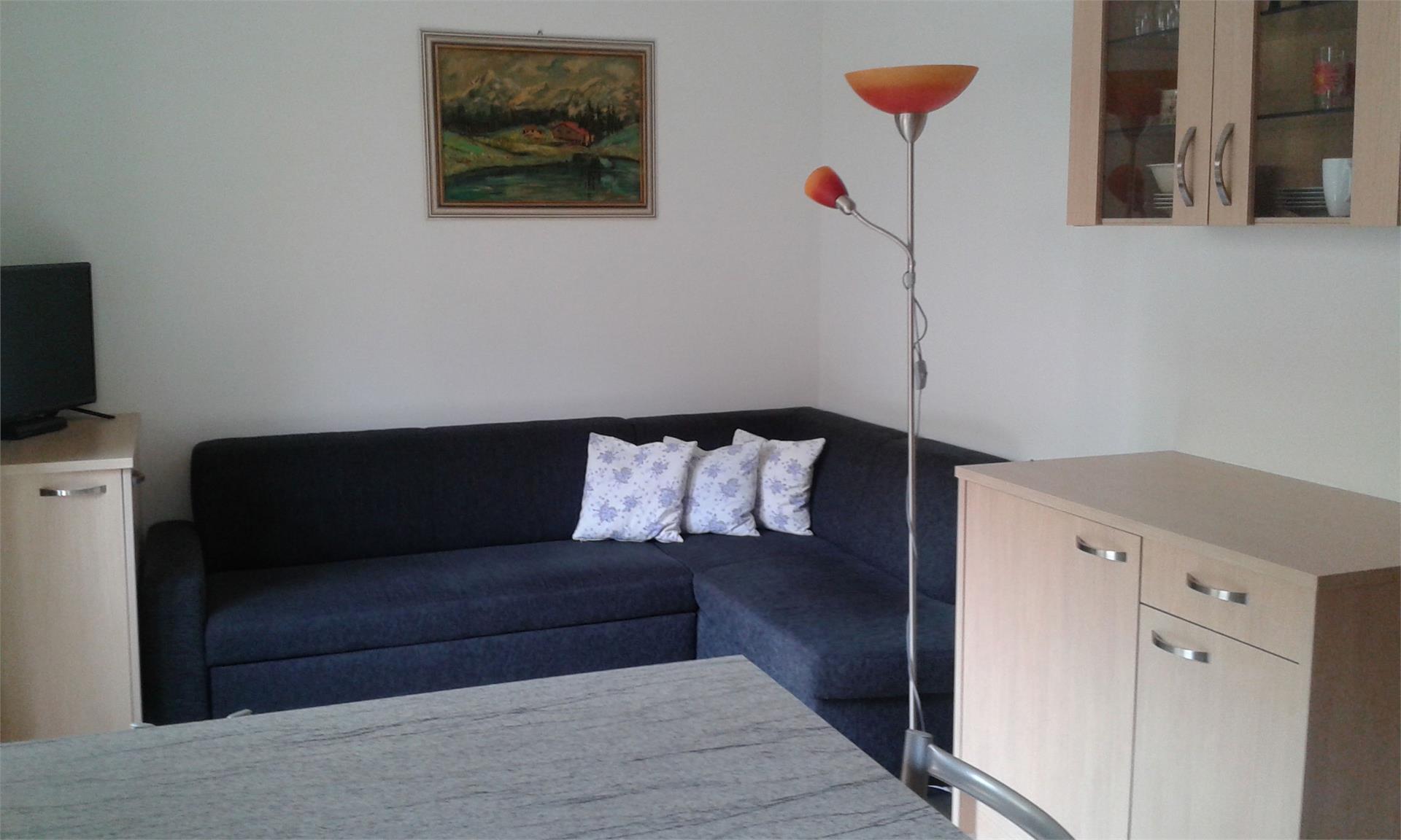 Wohnküche mit ausziehbaren Sofa