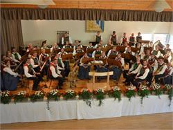 Evening concert from the Tarres music group