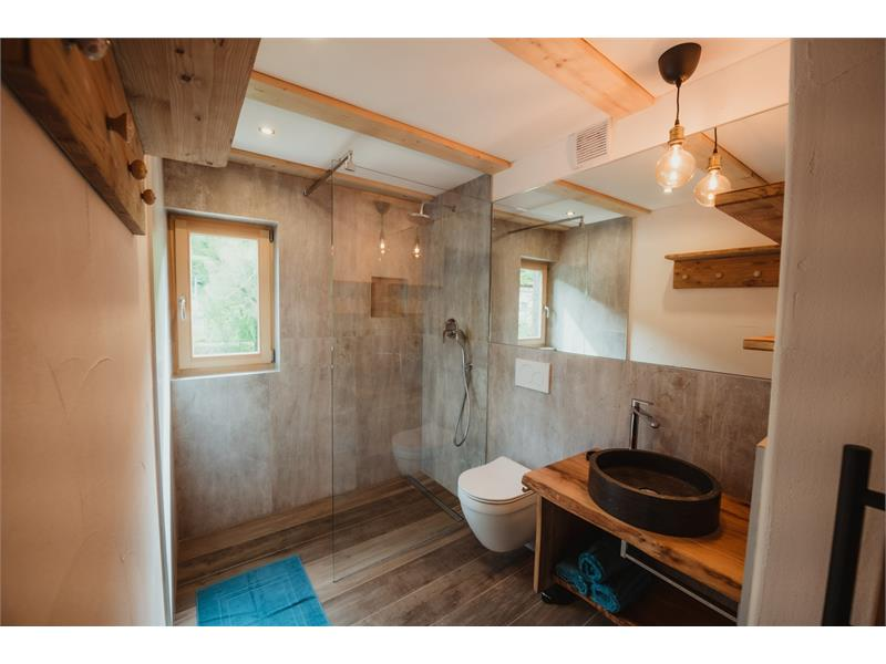 River - Bathroom