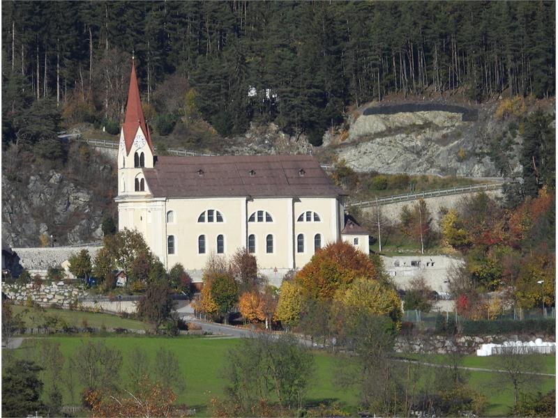 Kirche Kiens Herbst 2