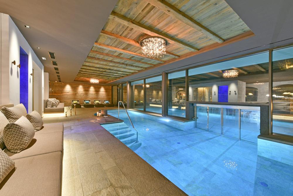 Indoor - Outdoor Schwimmingpool