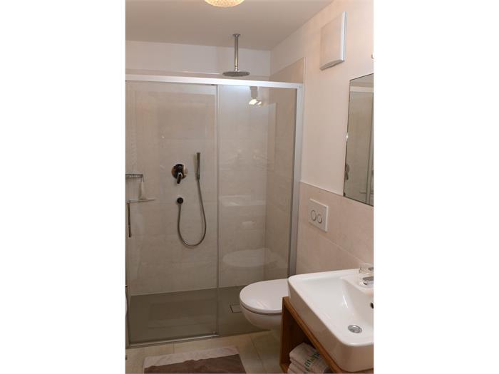 FW 1 Dusche