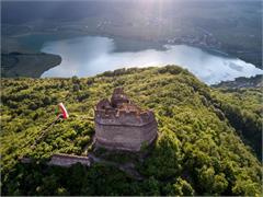 Ruine Leuchtenburg oberhalb des Kalterer Sees