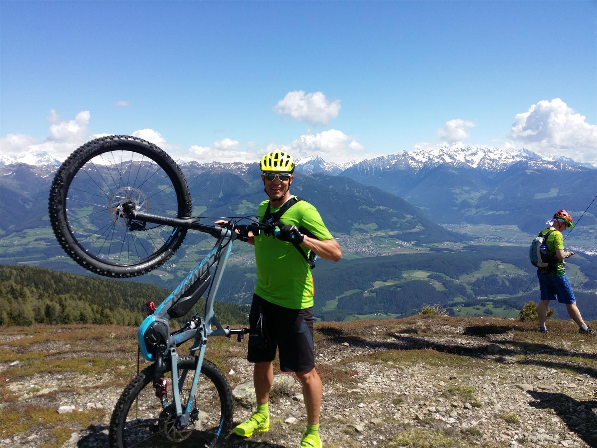 EY-DE-NET Dolomites De Luxe - Skiguide / Bikeguide