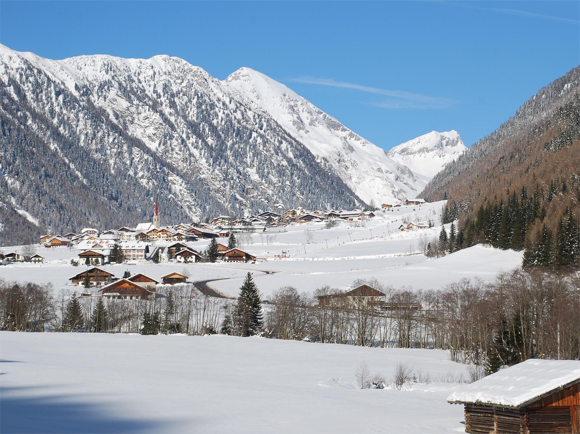 Circular winter hiking trail of Valles/Vals