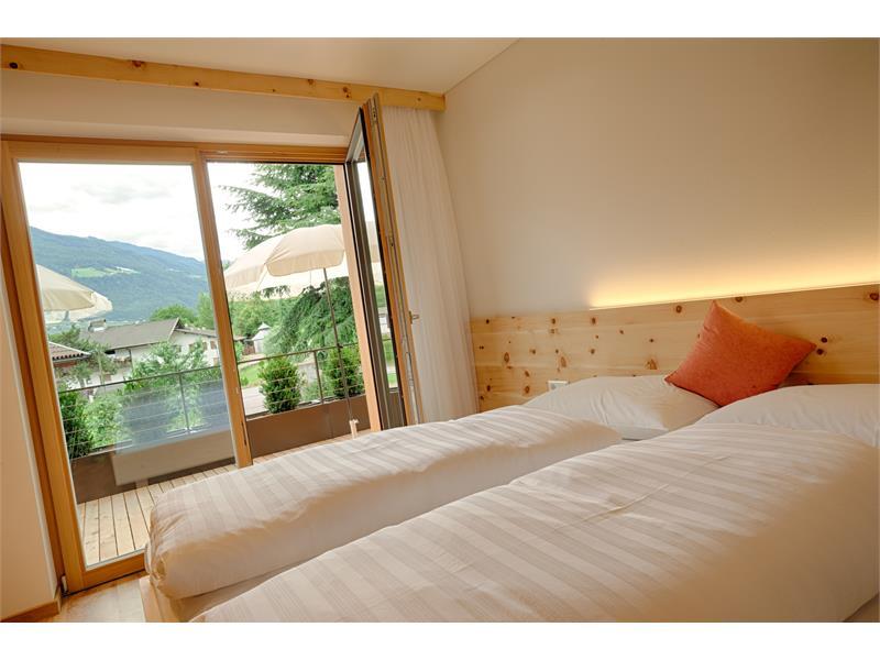 Schlafzimmer in Zirbenholz für einen erholsamen Schlaf | Residence Nischlhof