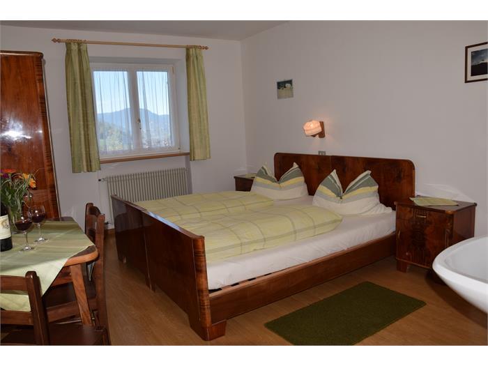 Zimmer Wohnung Sabine- Haus Albert Haselrieder, Völs am Schlern