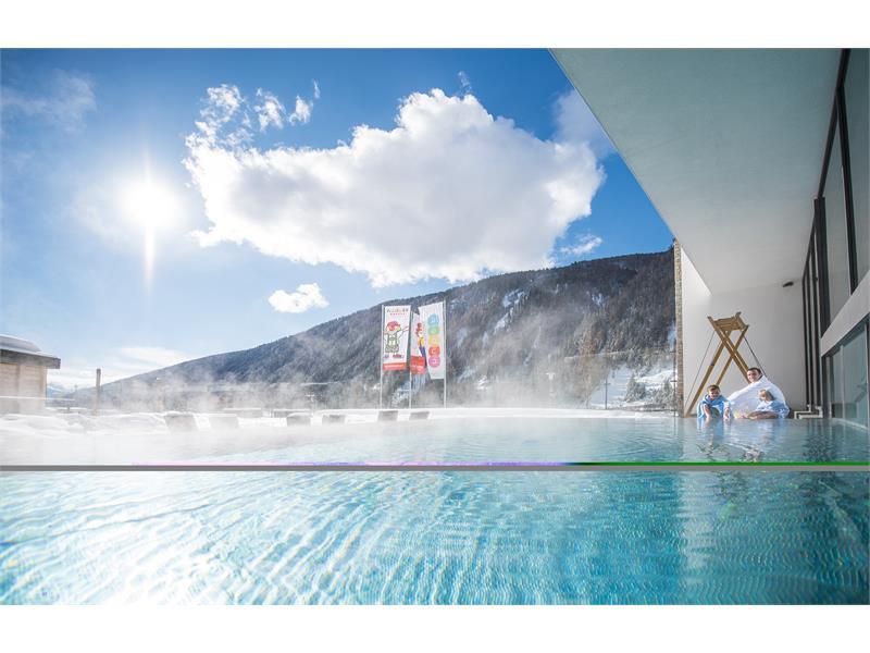 hot outdoor infinity pool