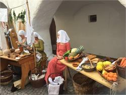 Glurnser Laubenmarkt: Mittelalter & altes Handwerk