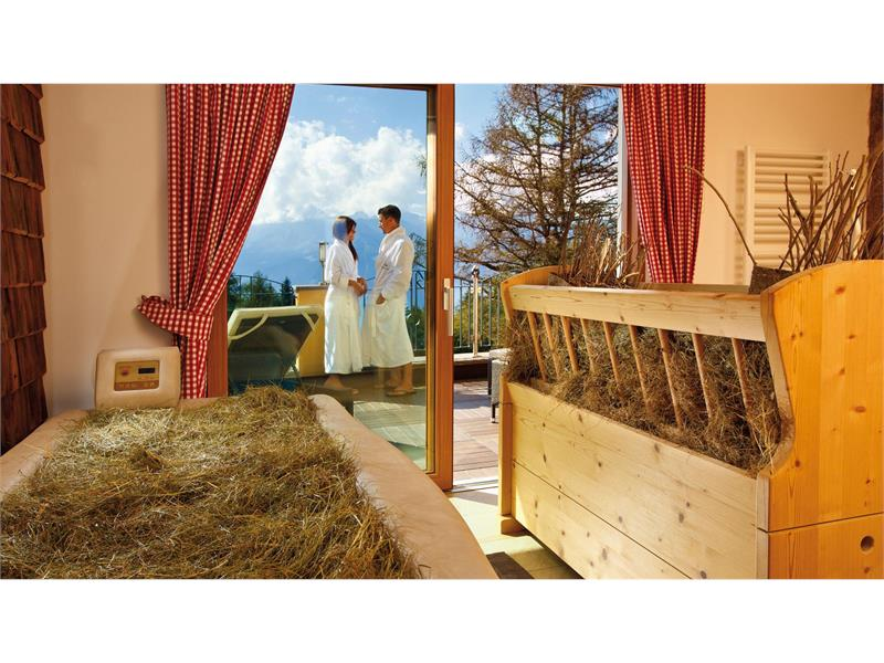 Alpine hay Bath - Hotel Falzeben, South Tyrol