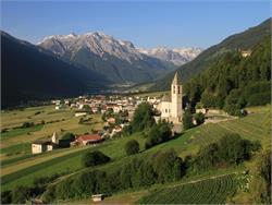 Mercato a Tubre in Val Monastero