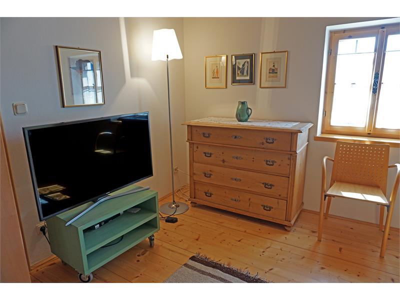 Schlafzimmer mit TV - Kohlstatt Hütte